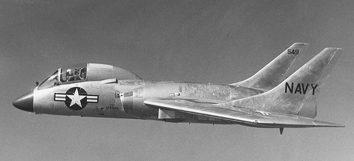 6fe8d106b14 The H-4 flight helmet was used during the middle of 50s by US Navy on  several type of aircrafts like the F7U-3 Cutlass