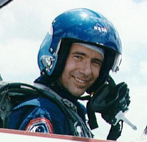 nasa pilot helmet - photo #6