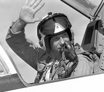 nasa pilot helmet - photo #24