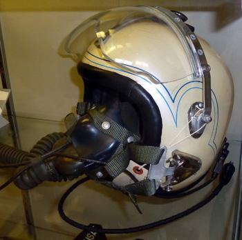 nasa pilot helmet - photo #12